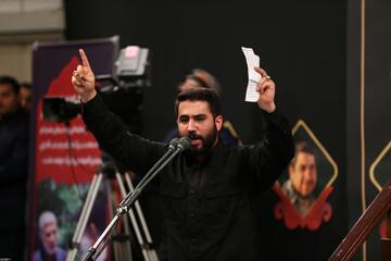 فیلم| مداحی حماسی حسین طاهری در حضور رهبر انقلاب
