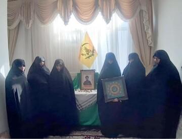 دیدار مسئولان جامعه الزهرا(س) با خانواده شهید موسوی نسب