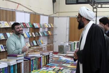 تصاویر/ بازدید نماینده ولی فقیه در استان همدان از نمایشگاه کتاب