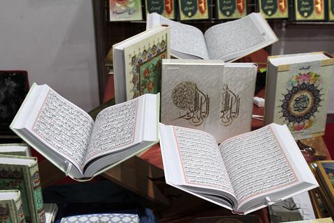 تصاویر/ حضور نماینده ولی فقیه در استان همدان در نمایشگاه کتاب همدان