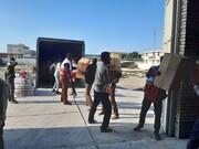 تصاویر شما/ کمکرسانی طلاب مدرسه علمیه شهرستان جاسک به آمادهسازی و ارسال محمولههای کمکی به مناطق سیل زده