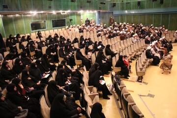 تصاویر/ نشست مبلغان مدارس امین با مدیر حوزه علمیه تهران