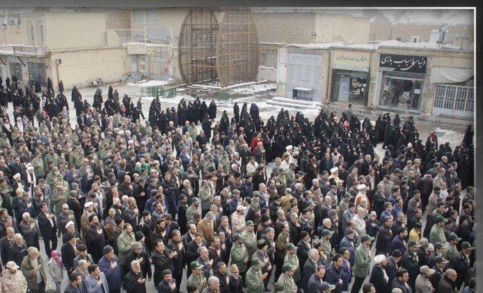پیکر امیرحسین قربانی از عروج یافتگان سانحه هوایی در بهاباد تشییع شد