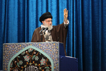 مخاطب کلام رهبری در نماز جمعه به جز ملت و مسئولان ایرانی، تمام جهانیان بودند