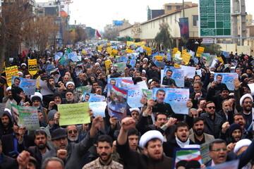 تصاویر/ راهپیمایی نمازگزاران قمی در حمایت از پاسداران اسلام و امنیت میهن