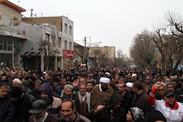 تصاویر/ راهپیمایی نمازگزاران همدانی در حمایت از سپاه پاسداران