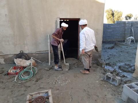 تصاویر شما/ کمک رسانی طلاب و روحانیون مدرسه علمیه مولود کعبه جاسک در مناطق سیل زده