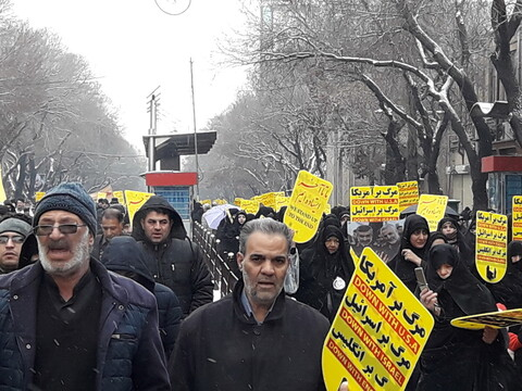 تصاویر/ راهپیمایی نمازگزاران تبریزی در حمایت از سپاه پاسداران و امنیت میهن
