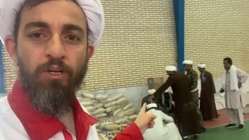 فیلم| گزارش یک روحانی از مشارکت حوزویان و دانشگاهیان در امدادرسانی به سیل زدگان