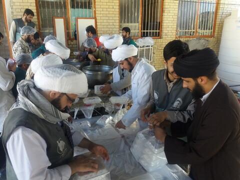 کمکرسانی طلاب جهادی طلاب حوزه علمیه قم در مناطق سیل زده سیستان و بلوچستان