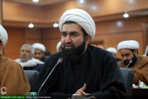 بالصور/ آية الله فاضل اللنكراني يستقبل علماء من الشيعة وأهل السنة لمحافظة سيستان وبلوشستان بقم المقدسة