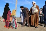 تصاویر شما/ کمک رسانی طلاب و روحانیون گروه جهادی شهید سپهبد حاج قاسم سلیمانی در مناطق سیل زده