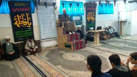 جلسه درس اخلاق  در مدرسه علمیه امام صادق (ع) بیجار