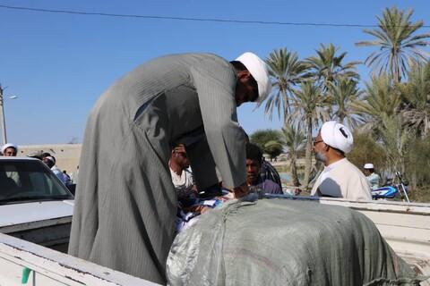 تصاویر شما/ حضور طلاب و روحانیون جهادی در مناطق سیل زده سیستان و بلوچستان