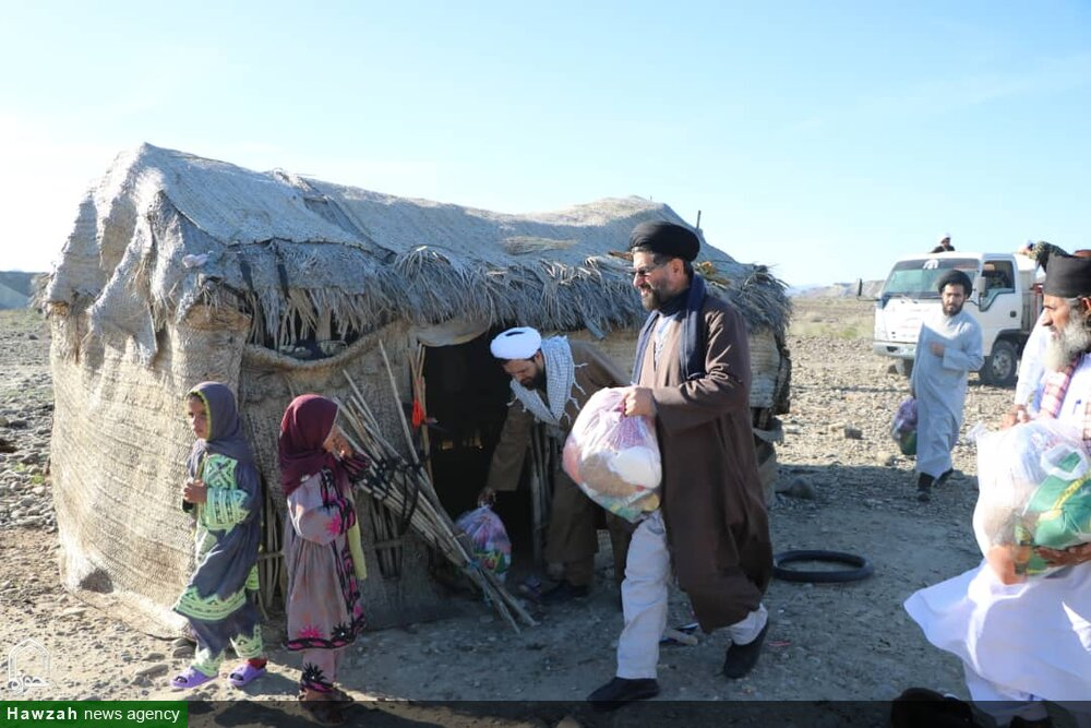 کلیپ| حضور جهادی طلاب در مناطق سیل زده