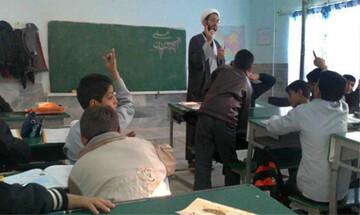 فعالیت روحانیون طرح امین در مدارس ۱۷ منطقه استان تهران