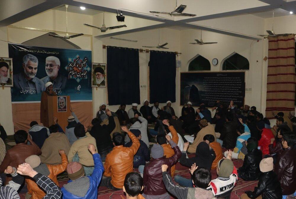 مفتی پاکستانی: قاسم سلیمانی از افراد برگزیده و مقرب خدا بود