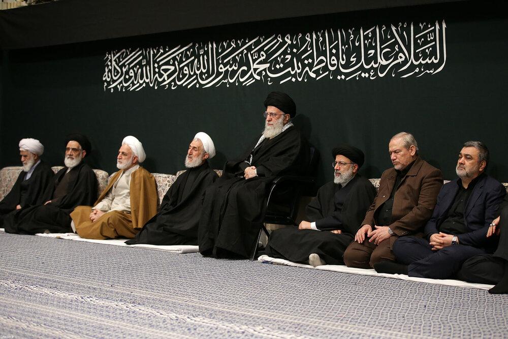 اولین شب مراسم عزاداری حضرت فاطمه زهرا (س) با حضور رهبر معظم  انقلاب برگزار شد