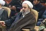 تحریف کنندگان مکتب امام راحل در جامعه اسلامی مطرود شده اند