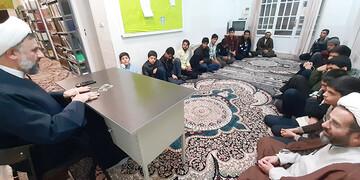 مسائل و مشکلات مدرسه علمیه حضرت مهدی (ع) بهاباد بررسی شد