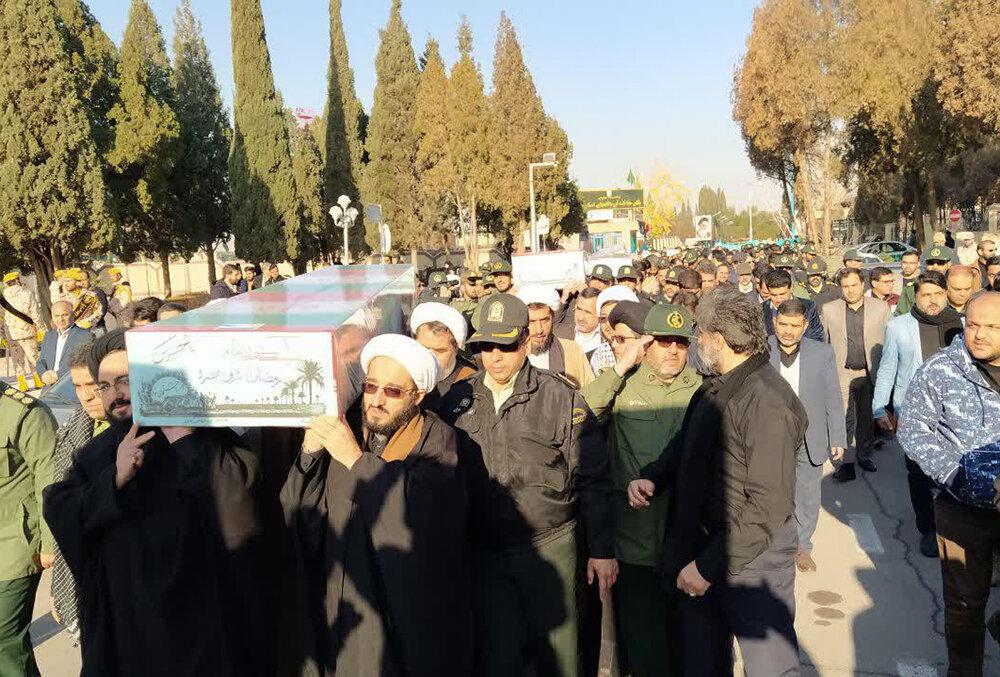 استقبال حوزویان یزد از ۴ شهید گمنام در فرودگاه شهید صدوقی