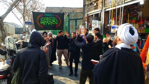تصاویر/ عزاداری طلاب حوزه علمیه امام رضا(ع) تهران در بازار تهران