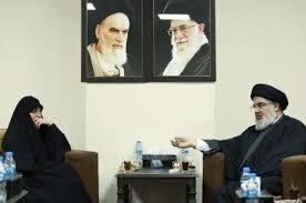 Touching meeting between Sayyed Nasrallah, Zeinab Suleimani