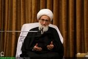 توصیه های آیت الله العظمی نوری همدانی به سفیر افغانستان / ملت افغانستان  با اتحاد آمریکایی ها را از کشور خود بیرون کند