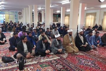 تصاویر / مراسم گرامیداشت آغاز دهه فجر انقلاب اسلامی در مدرسه علمیه ولیعصر(عج) تبریز