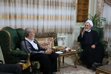 تصاویر/ دیدار آیت الله اعرافی با خانواده شهیدان حسن عرب و محمدحسین وفاداران
