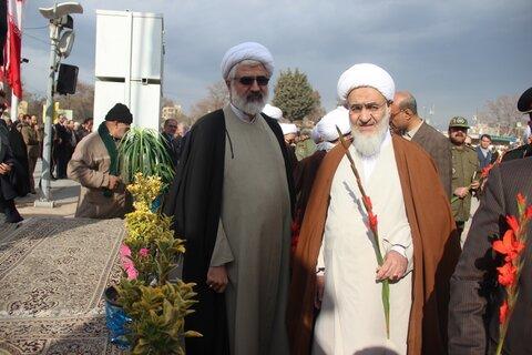 مراسم بزرگداشت سالروز ورود حضرت امام (ره) به ایران / در گلزار شهدا قزوین