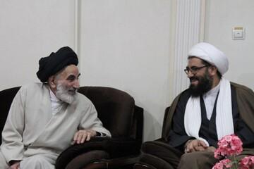 تقدیر امام جمعه همدان از  روحانی مبارز قبل از انقلاب+ عکس