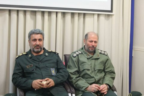 تصاویر/ دیدار فرماندهان سپاه بیت المقدس با نماینده ولی فقیه دراستان کردستان به مناسبت دهه فجر