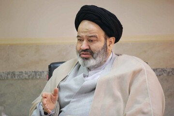 تبریک رئیس دانشگاه ادیان و مذاهب به آیات  حسینی بوشهری و اعرافی