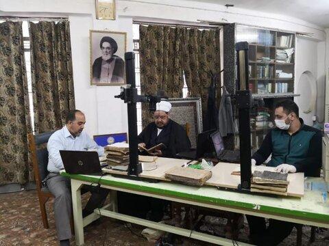 العتبة العلوية المقدسة تقوم بفهرسة وتصوير مخطوطات جامعة النجف الدينية
