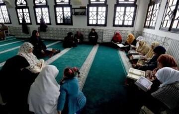استخدام سخنرانان و واعظان زن در مساجد بلژیک