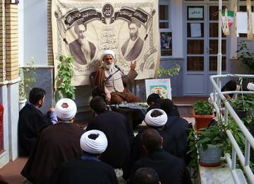 تصاویر/ گرامیداشت ایام الله دهه فجر در مدرسه علمیه امام حسین (ع)