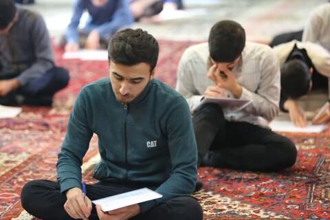 تصاویر / آزمون تفسیر و مفاهیم مسابقات قرآن طلاب حوزه های علمیه تبریز