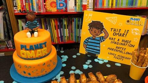 نویسنده ای در لندن که شخصیت های مسلمان را به کودکان ارائه می دهد