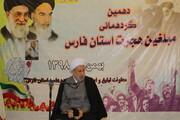 خدمات انقلاب اسلامی به مردم جهان معرفی شود