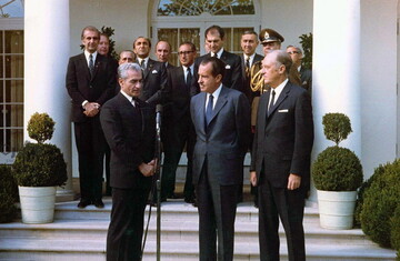 نگاهی بر فساد مالی و اخلاقی در نظام پهلوی