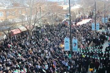 تصاویر/ خروش مردم انقلابی کردستان در یوم الله ۲۲ بهمن