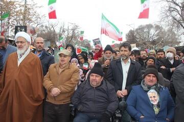 حوزویان قزوین همگام با مردم در جشن انقلاب+ عکس