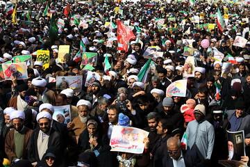 جشنی به وسعت قلب ها/ سلیمانی ها آمدند/ نمایش استقامت ملی در ۵ هزار و ۲۰۰ شهر و روستا