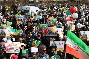 زنده بودن راه امام، انقلاب و شهدا پیام حضور پرشور مردم