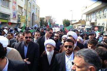 تصاویر/ حضور مراجع و شخصیتهای حوزوی در راهپیمایی ۲۲ بهمن