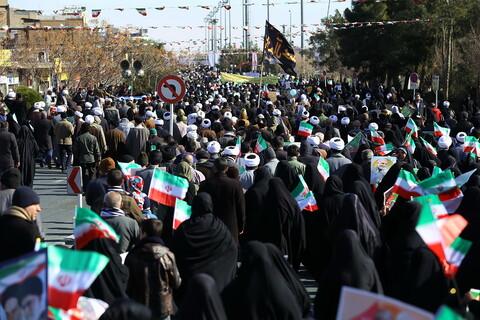 تصاویر/ راهپیمایی 22 بهمن در قم
