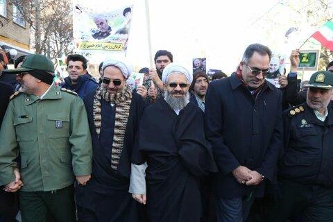 حضور روحانیون و طلاب اهر و جلفا در راهپیمایی ۲۲ بهمن