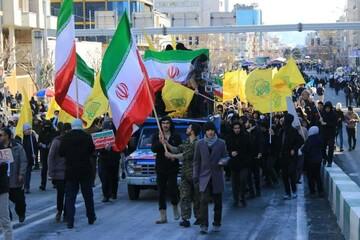 تصاویر شما/ حضور طلاب و روحانیون در راهپیمایی ۲۲ بهمن