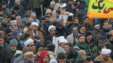 تصاویر شما/ حضور طلاب و روحانیون در راهپیمایی 22 بهمن